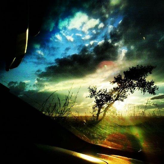 ..adoro o pôr do sol na estrada..