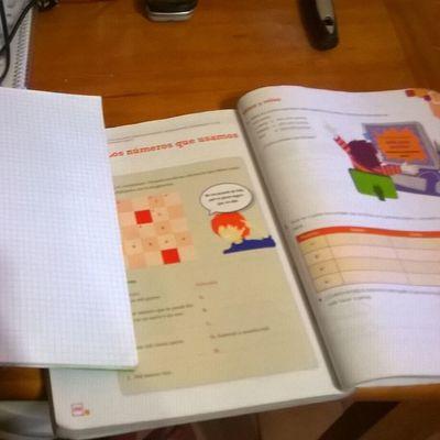 Por enseñarle matemáticas a mi sobrino 😍 Tarea Division Dos  Cifras 😌