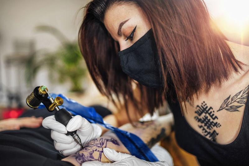 Tattooing safety during coronavirus crisis