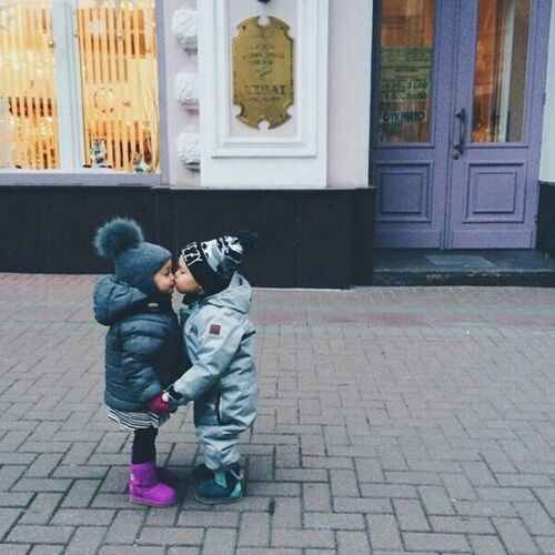 Kiss ♥ SweetChildOfMine😘 Cute Sweet Photography First Eyeem Photo Love Is In The Air