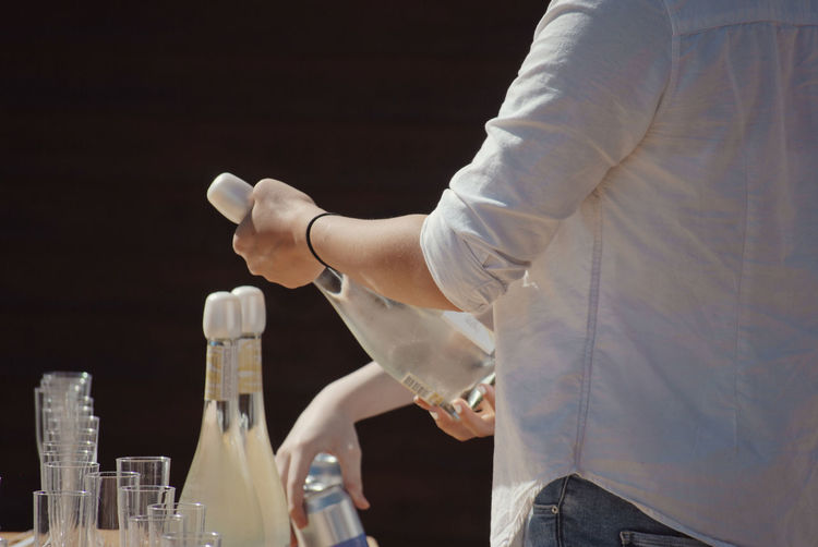 Human Hand Drink Celebration Alcohol Wineglass Women Midsection Food And Drink Close-up Champagne Flute Celebratory Toast Alcoholic Drink Wedding Reception Aperitif Bartender Wine Bottle Wine Cork Cork - Stopper Corkscrew Champagne Wedding Guest My Best Photo The Street Photographer - 2019 EyeEm Awards