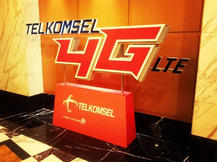 First Commercial 4G LTE in Indonesia! Telkomsel Network Broadband Jakarta