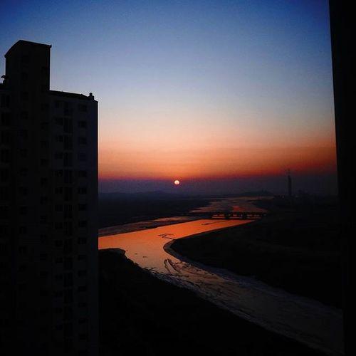 안산 시화호 일몰사진 일몰스타그램 Sun Sunset Westernsunset Sunrise_sunsets_aroundworld 악몽 Nightmare Horror Horribledream For2days