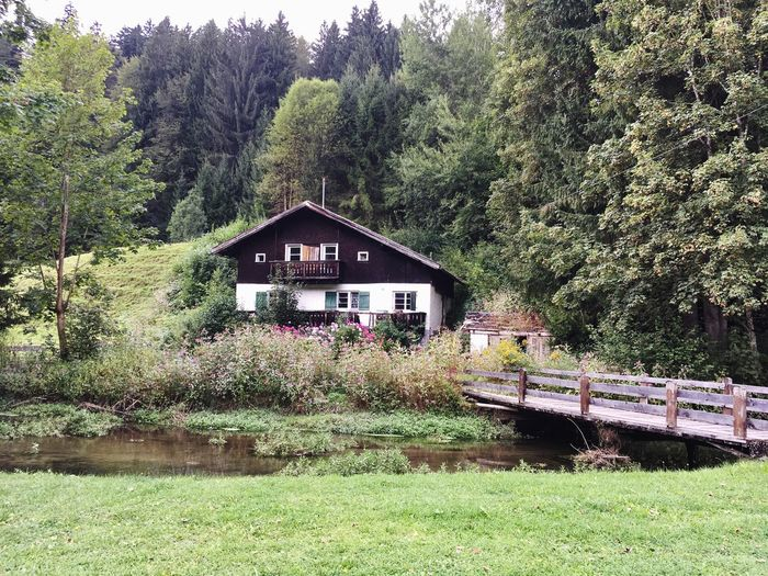 Built Structure House Nature Outdoors Green Color EyeEm Landscape EyeEm Nature Lover Nature Photography Outside Allgaeu On My Way Check This Out! Outside Photography Oberstdorf & Umgebung Old House Taking Photos