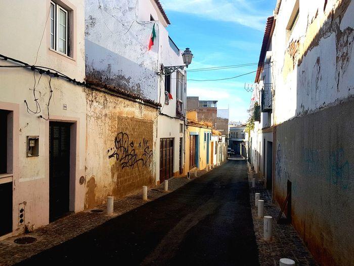 streetart #street #streetphotography #tagsforlikes #sprayart #urban #urbanart #urbanwalls #wall #wallporn #graffitiigers #stencilart #art #graffiti #instagraffiti #instagood #artwork #mural #graffitiporn #photooftheday stencil streetartistry photograp Portugalstreetphoto Shaddow And Light algarve, portugalAlgave Coloursplash Shadow Photography Complimentary Colors Building Photography Streetphotography Illusion Photography Artphotography Contrasting Light Contrast Of Shadows Contrast And Lights Architecture Photography Weathered Building Exterior Abandoned Algarve, Portugal Coloursplash Light And Dark Light Reflection Beautiful Scenery Portugal Streetshots. Streetsofportugal Walking Around Town
