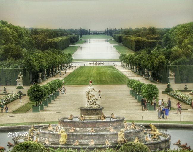 Versailles Versailles Palace Versailles Gardens Versailles, France Eyeemphotography Eyeemcityscapes EyeEm Best Shots Likeforlike #likemyphoto #qlikemyphotos #like4like #likemypic #likeback #ilikeback #10likes #50likes #100likes 20likes Likere [ Artphotography Sunnyday Artphoto Eyeemcitys Follow4follow Photomypassion Paris Paris, France  Versailles , France EyeEm Best Edits EyeEm Nature Lover