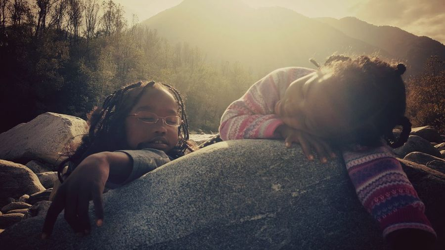 Togetherness Friendship Sleeping Beauty Catch The Moment Catching The Sun Catching Light Light Reflection Light And Reflection
