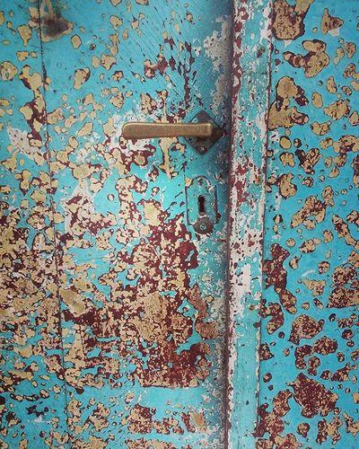 Gagang pintu . . Bangunan tua, bengkulu. 2016. . . . Kamerahpgw Mayfair Visitbengkulu Door Doorhandle Makro Tekstur Oldhouse Oldarchitecture Building Pintu Bangunantua Tua Instagram Igers Lovedoors Instadoor Texture