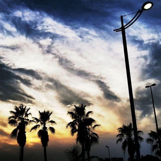 ﺭﻓﻘﺎ ﺑﻘﻠﺐ ﻳﺤﺎﺻﺮﻩالشوق . .... مسااء أحدثك به عنحبي .. ?? جدة Jeddah السعودية saudiarabia redsea sunset غروب