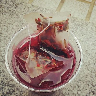 나른한오후 여름 스타벅스 스벅 starbucks 히비스커스 hibiscus icetea teastagram teatime 맛스타그램 먹스타그램 instasize instadaily instatea