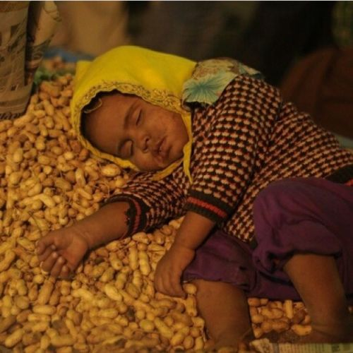 Child Sleeping Poverty Peanuts #India Rajasthan Traveling Eyemphotography #The Week On EyeEm Ipad