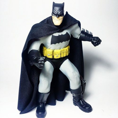 This figure is pretty amazing. Probably my favorite Batman figure. I'll have to see how it stands up to my Hot Toys Arkham City Batman when it comes in. Batman Dccomics Thedarkknight Dcuniverse Dcnation DC Darkknight Brucewayne TheDarkKnightReturns FrankMiller Toys Toyphotography Toypizza Toysarehellasick Toycollector Toycommunity Toycollection Mezco