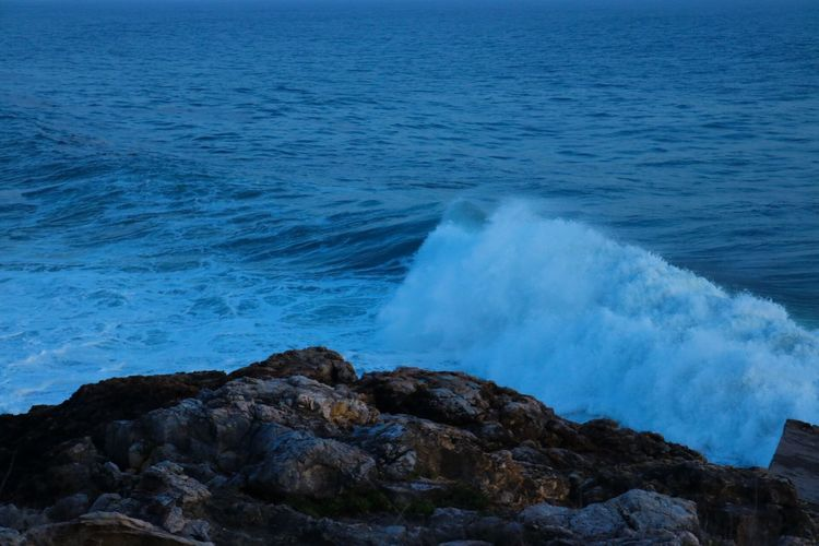 Sea Water Rock - Object Nature Beauty In Nature Wave Power In Nature Outdoors Motion No People Scenics Day Beach Sky EyeEmNewHere EyeEm Nature Lover