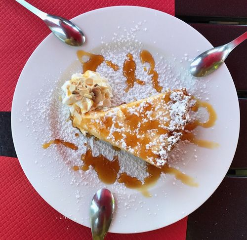 The best dessert ever, shared with friends at Le P'tit Mejane Restaurant Tarte Au Citron Et Ganache De Chocolat Avec Sauce Caramel non, je ne regrette rien! Plate Food And Drink Freshness Food Table Indulgence Dessert Sweet Food Indoors  Powdered Sugar Close-up Healthy Eating No People Ready-to-eat Day Lemon Pie Caramel Sauce Getty X EyeEm Premium Collection Visual Feast
