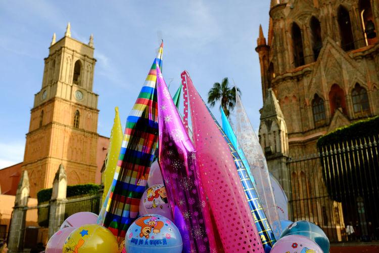 Balloon toys in