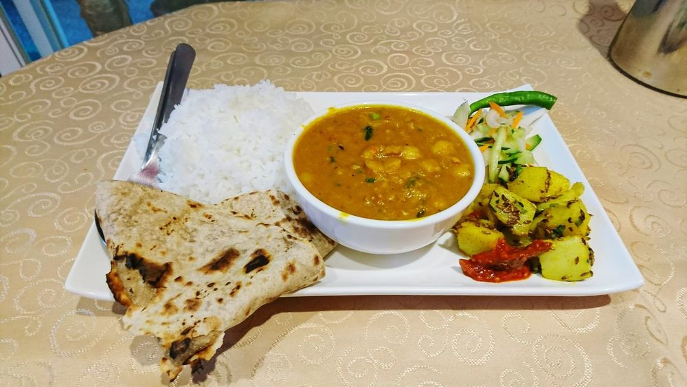 Food And Drink Healthy Eating Food Indoors  Ready-to-eat Bowl Soup No People Freshness Plate Close-up Day Rice Curry Indian Food Southindianfood Chapati ಚಪಾತಿ Pickle