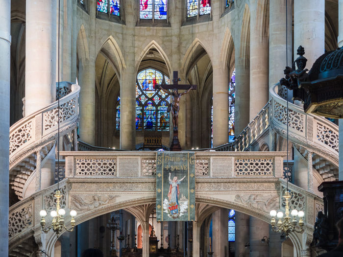 Montmartre, Paris - January 7, 2018: In Montmartre, among the most special places, there is certainly Place du Tertre. It 'a mix of street artists, portrait artists, painters, caricaturists. Altar Arch Arched Window Architecture Balaustrade Basilica Capital Catholic Ceiling Christ Church Classic Column Cross Decoration Genevieve Gothic Historical Inside Interior Medieval Monument Nave Paris Priest Saint-etienne-du-mont Spiral Staircase Spire  Stone Stonework