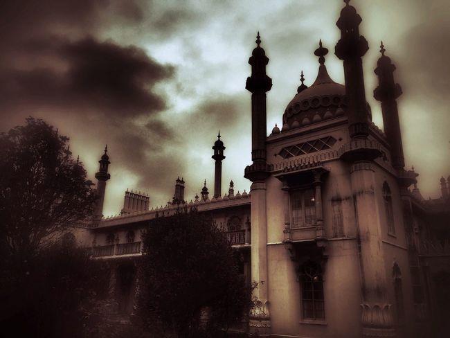 Brighton, Royal Pavillion. Royal Pavilion Gardens Royal Pavilion Gothic Architecture Gothic GothicStyle