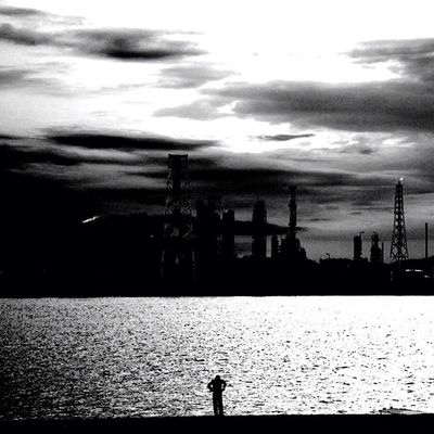 one Webstagram 工場 People 白黒 Summer Sea Sunset Blackandwhite Alone One Factory Japan Monochrome Bw Photooftheday Japanese  モノクロ
