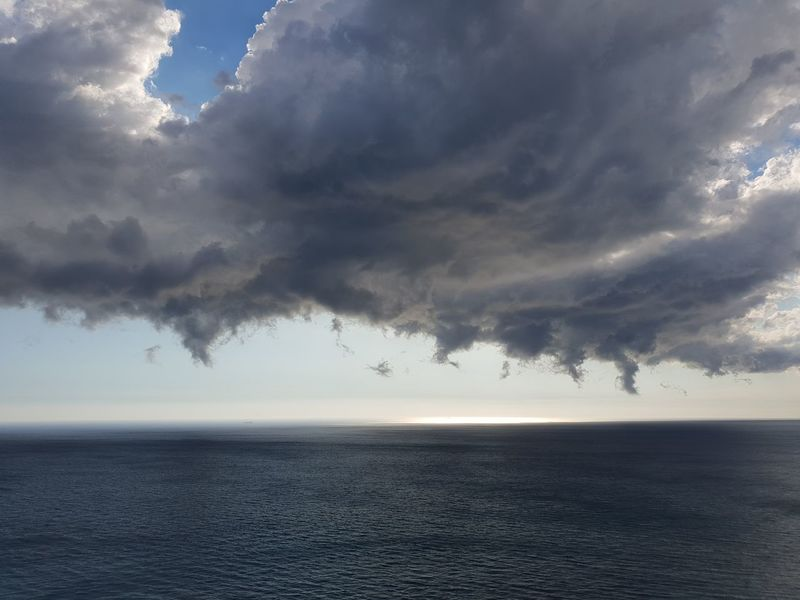 temporale in arrivo Clouds Clouds And Sky Temporalesulmare Temporaleestivoinarrivo Temporale In Arrivo Wind Temporale Temporali Water Thunderstorm Storm Cloud Sea Beauty Cyclone Hurricane - Storm Extreme Weather Meteorology Cumulus Cloud