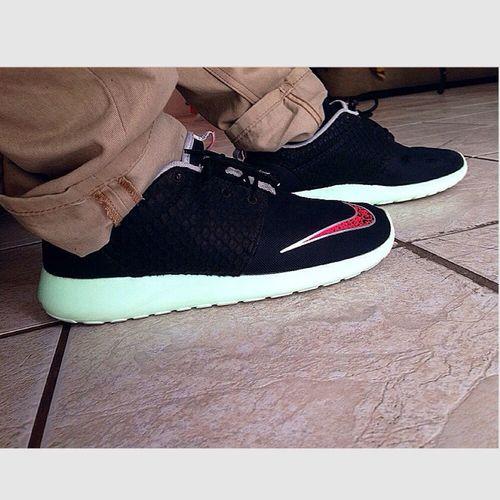 Yeezy Rosherun BASED Shoes