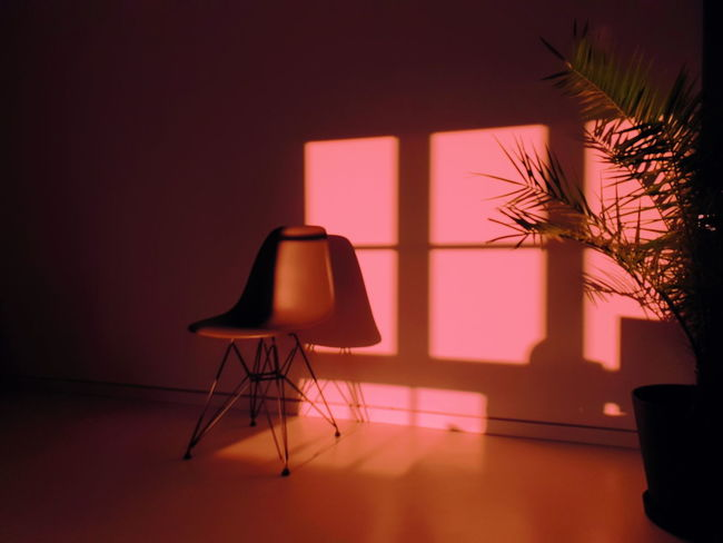 MENTAL x BREAK Samsung Samsungphotography Samsung Galaxy S9 Plus Herrschiller Constantinschiller Stuttgart 0711 Illuminated Chair Shadow Architecture Floor Lamp Lamp Shade  Focus On Shadow Long Shadow - Shadow Home Showcase Interior Penthouse Furniture Model Home Paved Pendant Light The Week On EyeEm Editor's Picks