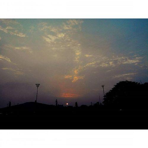 Jingga menjelang Gelap BabakanSiliwangi Sabuga Bandung Lenovotography Pocketphotography Photostory Lzybstrd Sunset