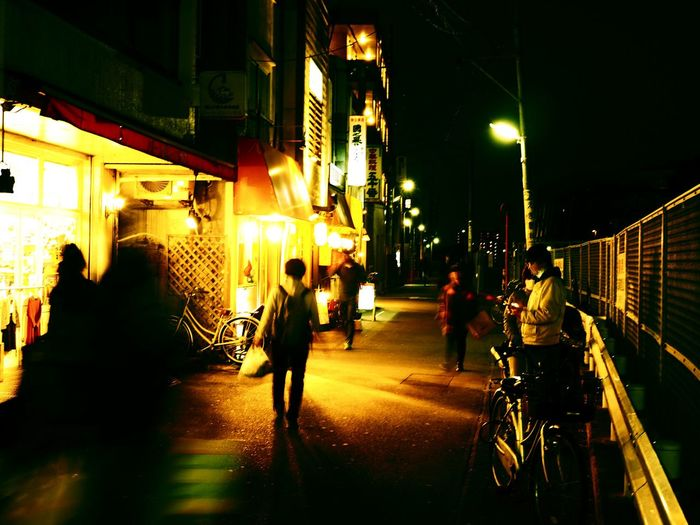 やっぱり街スナップ楽しいね♡ Olympus OM-D E-M5 Mk.II Tokyo Street Photography Cross Process Blurred Motion Night City Illuminated Street Architecture Built Structure Building Exterior Real People Walking City Life The Way Forward Lighting Equipment