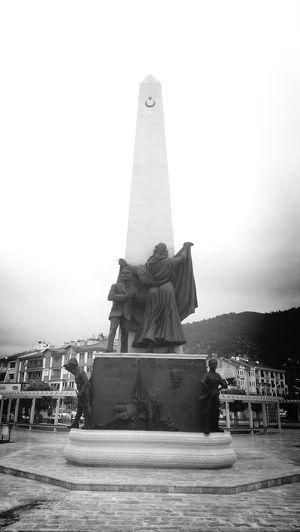 şehitler anıtı...