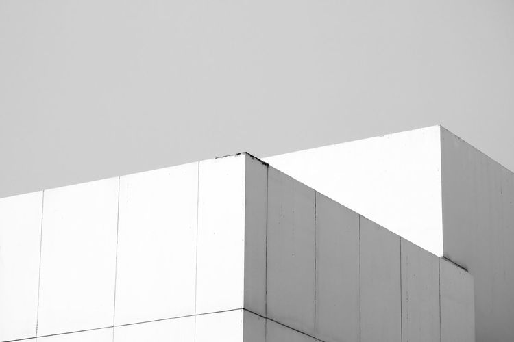 Built Structure Architecture Copy Space Wall - Building Feature Building Exterior No People Geometric Shape Day Sunlight Pattern Shape White Color Wall Building Low Angle View Nature Modern Clear Sky Sky Outdoors