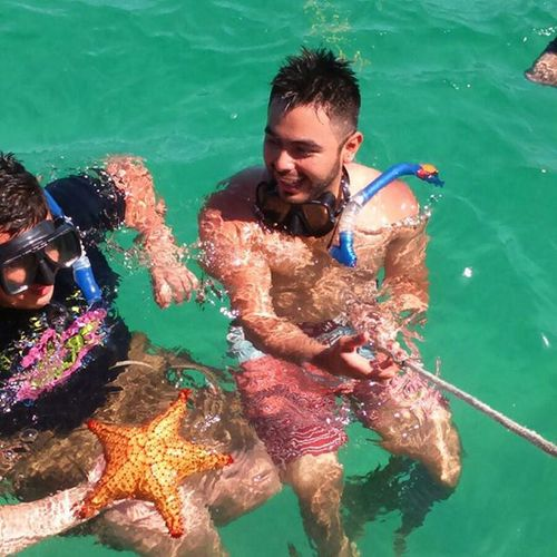 Snorker e. Arrecife y en la zona de estrella de mar .😁😊 Roatan Westbaybeach Honduras Vacaciones2015 Noviembre