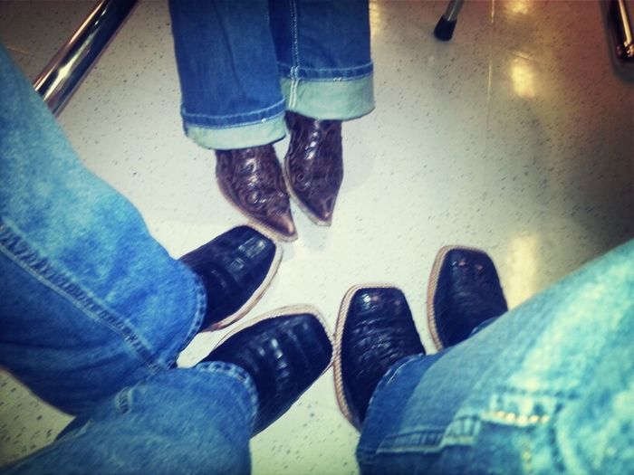 caiman belly boots and unas corrals de la camarada (;