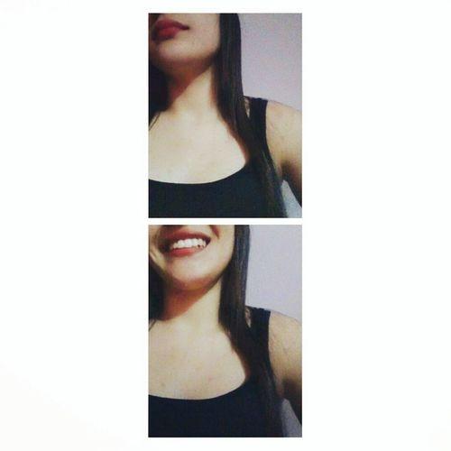 Meu ponto fraco tem nome,endereço e um sorriso lindo. Smile ✌