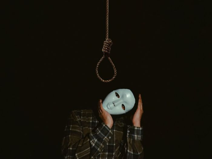 suicide isn't the key. made with picsart Mystery Picsart Depression Mobilephotography People Man Suicide Maskedportraits Masked Portrait Portrait Creative Creativity Conceptual Conceptual Photography  Hanging Black Background Human Hand Disguise Human Representation The Portraitist - 2018 EyeEm Awards The Creative - 2018 EyeEm Awards