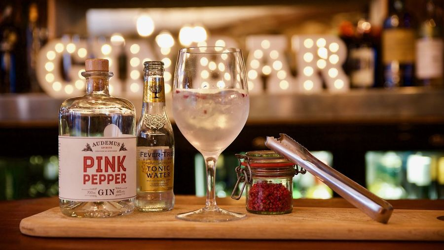 Gin & Tonic Drinks DSLR Fever Tree GIN Gin And Tonic Gin Bar Glass Party Pepper Pink Pepper Spirit
