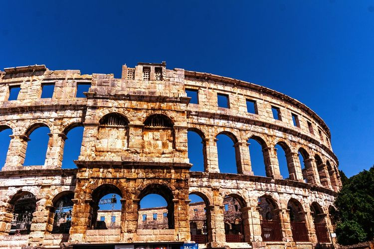 EyeEm Selects Croatia Croatiafulloflife Kroatien Croatia🇵🇾 Roman Sky History Architecture Travel Destinations The Past Built Structure Blue Window Arts Culture And Entertainment Ancient Outdoors Building Exterior Day Ancient Civilization No People