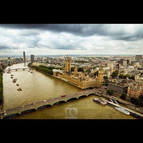 London Thisislondon Tamisa Parliament parlamento londres londres2014 instaphoto instapic river bigben bridge bus PhotoGrid London UK BigBenandParliament BigBen