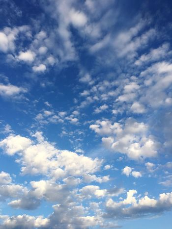 drag. Sky Cloud - Sky Nature Blue Low Angle View Scenics Backgrounds Beauty In Nature Tranquility No People Full Frame Day Outdoors Sky Only Iphonephotography