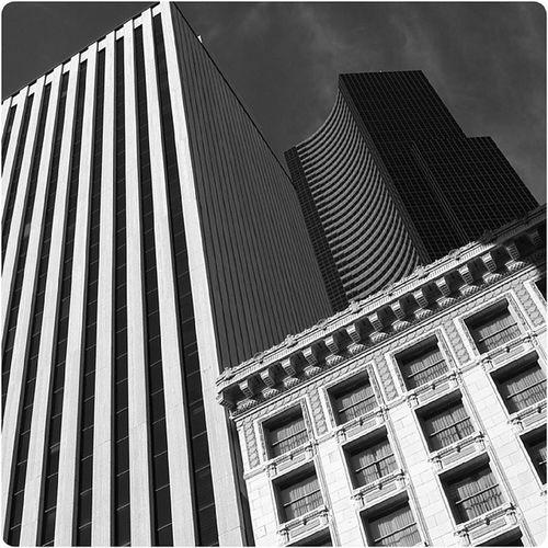 Architecture Arquitectura Archhunter Archporn building buildingstyles buildingporn perspective composition architexture monochrome blackandwhite skyscraper columbiatower seattle upperleftusa portland sf la chicago nyc urban cities pattern