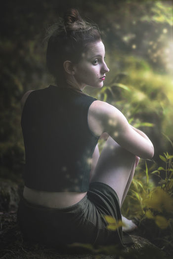 intoo the forest Portrait De France Taking Photos Taking Pictures Getting Creative Getting Inspired Freshness Sun Sunset Sunrise Flare Fashion Freshness Freshness Countryside Sitting Dress Outdoors Legs Beauty Beautiful People Beautiful Woman Portrait Back Human Back