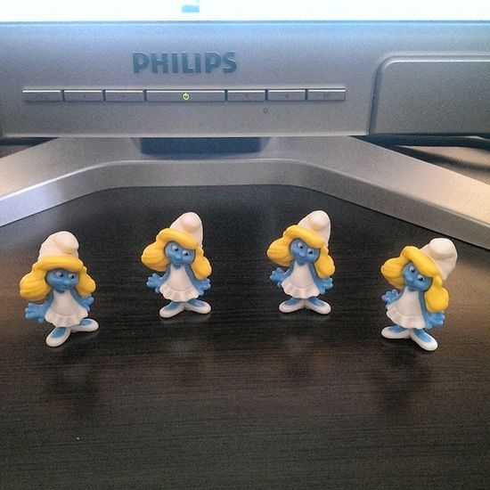Şirine isteyen :) Smurfs Sirinler Kinder