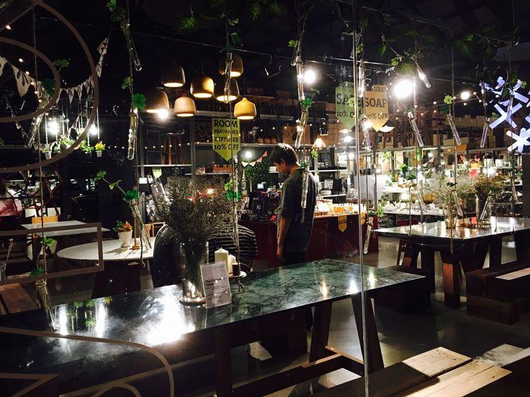 ชอบที่สวยๆ Bar - Drink Establishment Illuminated Night Bar Counter Business Finance And Industry No People Indoors  Occupation