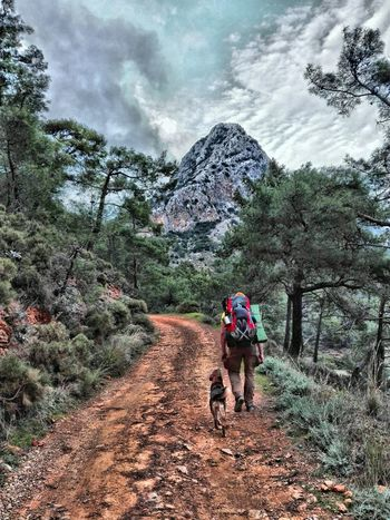 The Way to best camp in my life Mountain Backpacking Backpack Turkey Travelingdog Trekking Travel Photography Way Road Lycianway Turkeyphotooftheday EyeEmNewHere Tree Full Length Two People Mountain Lifestyles Leisure Activity