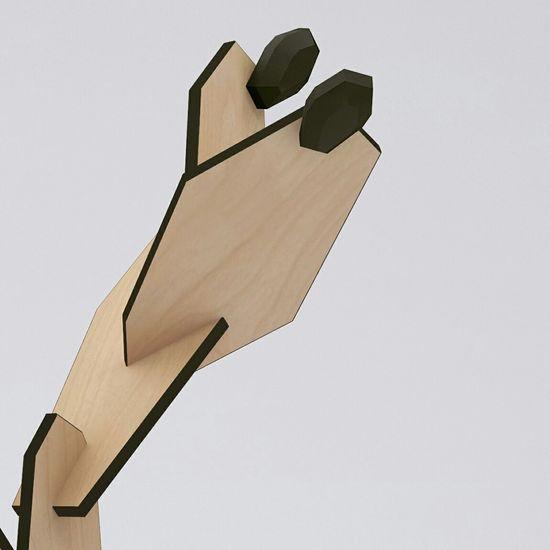 Arredo Casa Interior Design Hangers Opuntia Identitas Etsy MadeinItaly https://facebook.com/identitasdesign #appendiabiti #attaccapanni #opuntia #identitasdesign #interiordesign #house #hangers #legno #wood naturale Opuntia nasce dall'idea di realizzare un articolo di design per la casa che richiamasse un legame con il territorio dei suoi creatori. Le opuntie sono piante capaci di colonizzare gli ambienti più impervi alla ricerca di acqua e nutrimento e pertanto incarnano lo spirito di tenacità e resistenza Siciliano. L'utilizzo del legno e la vivacità dei bordi, attraverso i colori della natura (verde), del frutto (magenta) della purezza (bianco) e dell'eleganza (grigio scuro/nero) vengano valorizzati dal processo artigianale seguito per la realizzazione del prodotto. Opuntia è fatto a mano ed è composto da 11 pezzi di facile montaggio con sistema prevalente ad incastro. Altezza max 180 cm. L'articolo viene spedito imballato in apposita scatola delle dimensioni di 80 cm x 50 cm x 15 cm, accompagnato da schema di montaggio. Tempo per il montaggio 10 minuti circa.