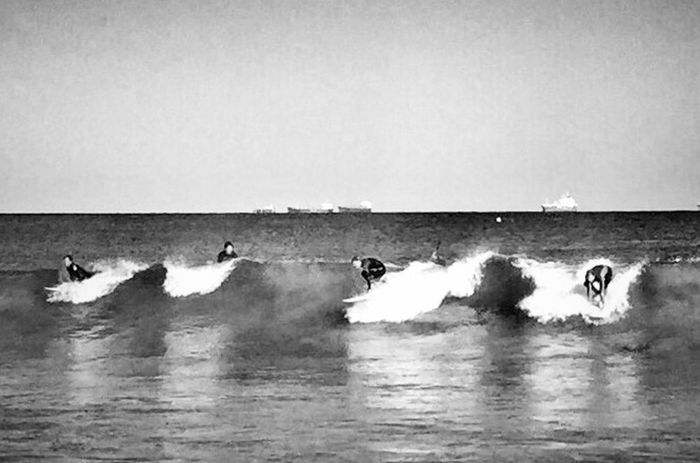 Looking To The Other Side Throw A Curve Monochrome_life EyeEm Best Shots Shootermag Bw_collection Wearegrryo Beachphotography Surf's Up