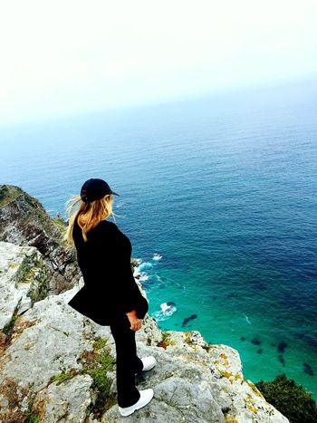 Cape Point 😍😍😍 Cape Town Water Hanging Out Tranquil Scene Horizon Over Water Sea Vacations Scenics Rock - Object Leisure Activity Travel Beauty In Nature Tranquility Rear View Getting Away From It All Lifestyles Weekend Activities