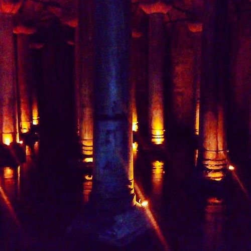 The Basilica Cistern lies beneath Istanbul. It was built in the 6th century during the reign of Byzantine Emperor Justinian I. Used to provide the city with water. Basilicacistern Yerabatan Yerabatansarnici Istanbul Istanbulmoments Turkinstagram Byzantine Columns Water