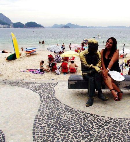 Eu e Drumond Copacabana RJ Sol Mar Verão Beach Poeta Poesia