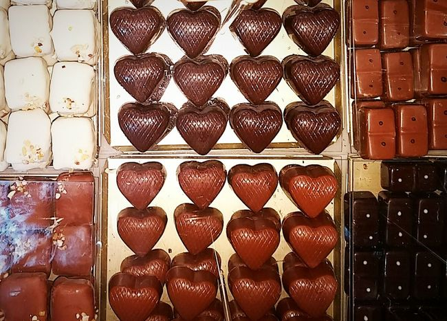Candy Candyshop Candy Store Candy Shop Chocolate Chocolates Sweets Hearts Dark Chocolate Milk Chocolate Decidente Rich