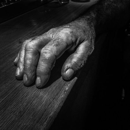 In a bar. Man Old Oldman Bright Blackandwhite Pub Photographe En Herbe Light And Shadow Light